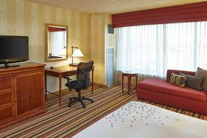 Room - Renaissance Hotel Airport Philadelphia