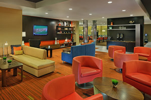 Lobby - Courtyard by Marriott Hotel Coatesville