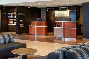 Lobby - Courtyard by Marriott Hotel East Louisville