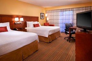 Room - Courtyard by Marriott Hotel East Louisville