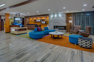Lobby - Fairfield Inn & Suites by Marriott Hendersonville