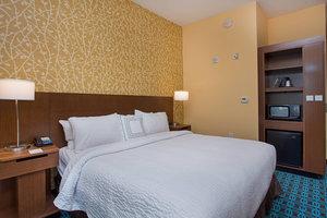 Room - Fairfield Inn & Suites by Marriott Hendersonville