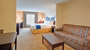 Room - Holiday Inn Express Hotel & Suites Swift Current