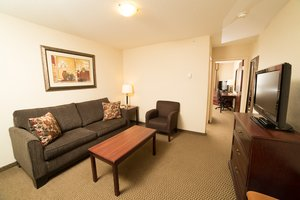 Suite - Holiday Inn Hotel & Suites Lloydminster