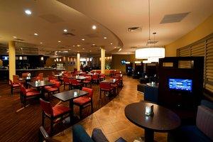 Restaurant - Courtyard by Marriott Hotel East Ottawa