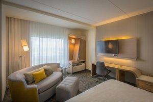 Room - Courtyard by Marriott Hotel Airport Winnipeg