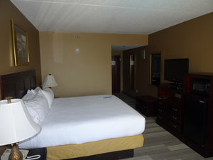 Room - Holiday Inn Express Hotel & Suites Tuscaloosa
