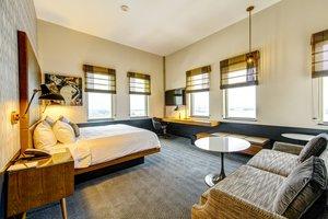 Suite - Watermark Hotel Downtown Baton Rouge
