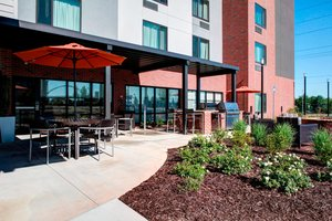 Restaurant - TownePlace Suites by Marriott Mercer University Macon