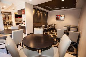 Restaurant - TownePlace Suites by Marriott Boynton Beach