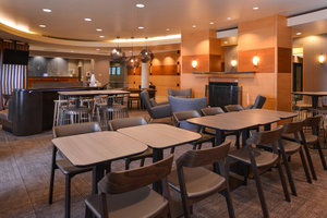 Restaurant - SpringHill Suites by Marriott Tarentum