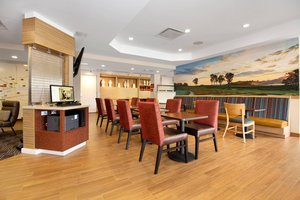 Restaurant - TownePlace Suites by Marriott Harmarville