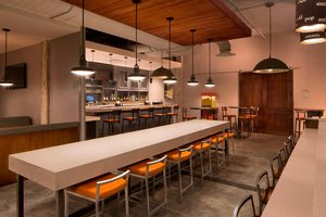 Restaurant - TownePlace Suites by Marriott Foley