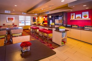 Restaurant - TownePlace Suites by Marriott Falls Church