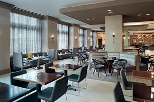 Restaurant - Marriott Hotel Windward Parkway Alpharetta