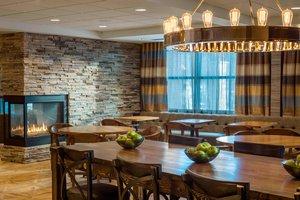 Restaurant - Fairfield Inn & Suites by Marriott Waterbury
