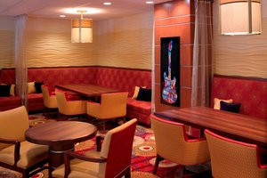 Lobby - Marriott Hotel Airport Cleveland