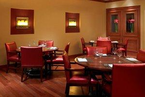 Restaurant - Marriott Hotel Airport Cleveland