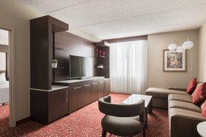 Suite - Marriott Hotel CMH Airport Columbus