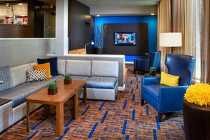 Lobby - Courtyard by Marriott Hotel Worthington Columbus