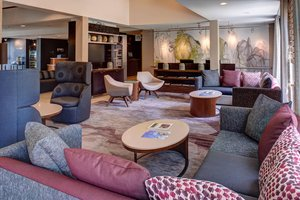 Lobby - Courtyard by Marriott Hotel Clive