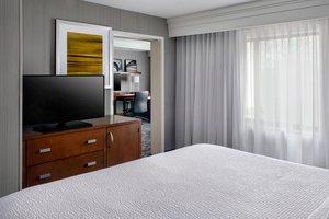 Suite - Courtyard by Marriott Hotel Paramus