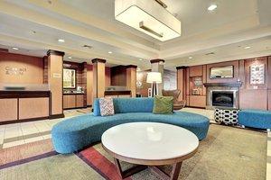 Lobby - Fairfield Inn & Suites by Marriott Edison