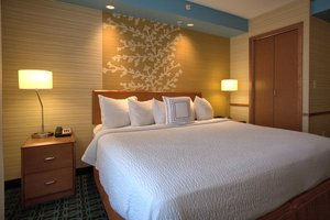 Suite - Fairfield Inn & Suites by Marriott Edison