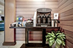 Restaurant - Fairfield Inn & Suites by Marriott Edison