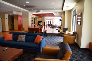 Lobby - TownePlace Suites by Marriott Downtown Lawrence