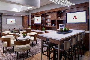 Bar - Marriott Hotel at University Place East Lansing