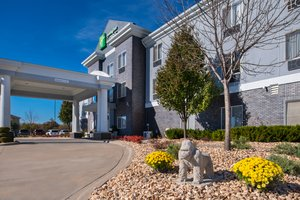 Exterior view - Holiday Inn Express Hotel & Suites Pittsburg