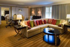 Suite - Marriott Hotel East Memphis