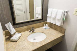 Room - Courtyard by Marriott Hotel Montgomery
