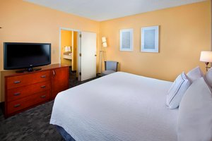 Suite - Courtyard by Marriott Hotel Miami Airport Doral