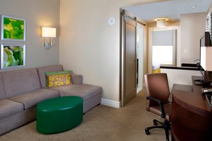 Suite - Courtyard by Marriott Hotel Upper French Qtr New Orleans