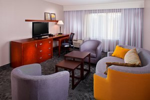 Suite - Courtyard by Marriott Hotel Covington