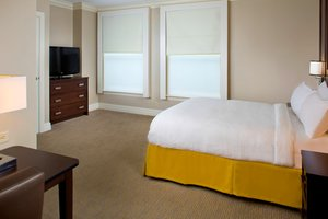Room - Courtyard by Marriott Hotel Upper French Qtr New Orleans
