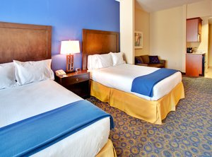 Suite - Holiday Inn Express Hotel & Suites Lake Elsinore