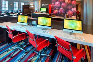 Conference Area - Courtyard by Marriott Hotel Manhattan New York
