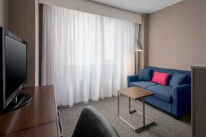 Suite - Courtyard by Marriott Hotel New York