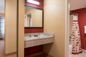 Room - Courtyard by Marriott Hotel Pleasant Hill