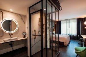 Room - Hotel EMC2 Magnificent Mile Chicago