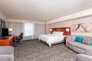 Suite - Courtyard by Marriott Hotel Downtown Louisville