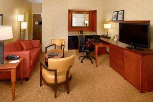 Suite - Courtyard by Marriott Hotel Creve Coeur