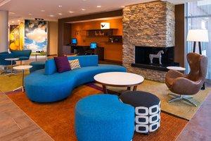 Lobby - Fairfield Inn & Suites by Marriott Stow