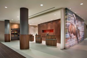 Lobby - Courtyard by Marriott Hotel Airport Calgary