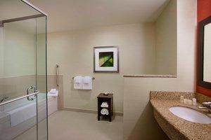 Room - Courtyard by Marriott Hotel Airport Calgary