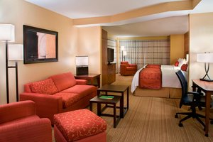 Suite - Courtyard by Marriott Hotel Airport Calgary