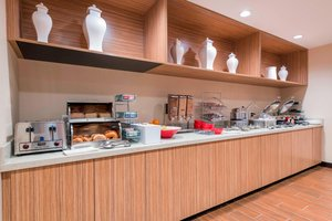 Restaurant - TownePlace Suites by Marriott Hays
